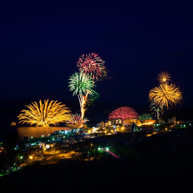 Toyako-Onsen-fireworks0