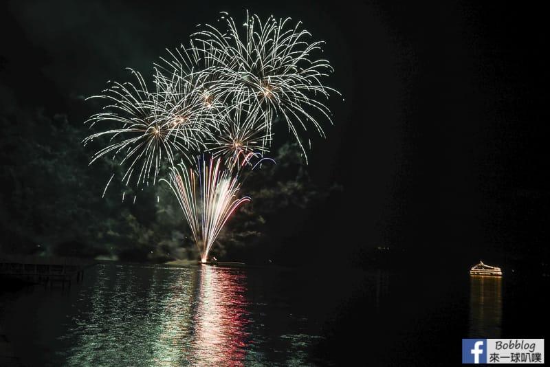 toya-lake-fireworks-2