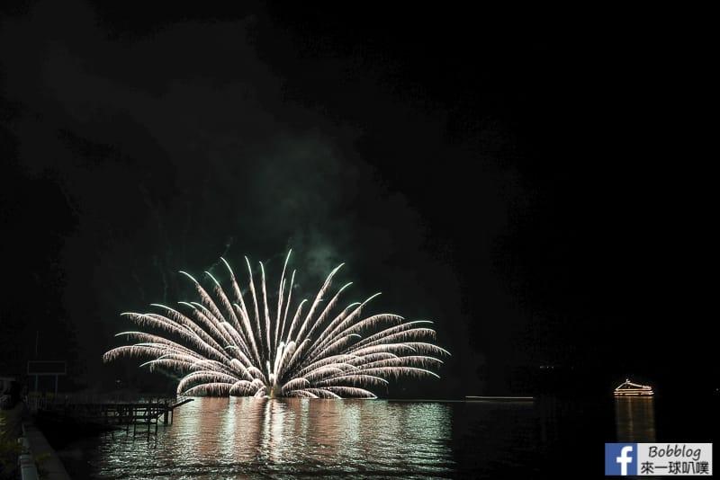 toya-lake-fireworks-4