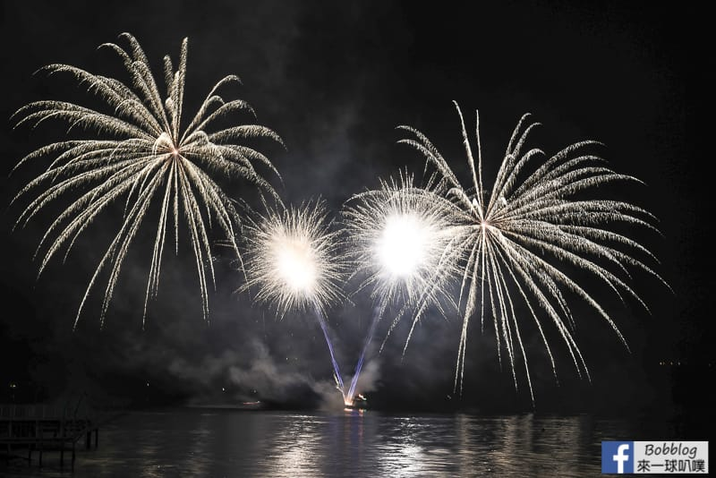 toya-lake-fireworks-6