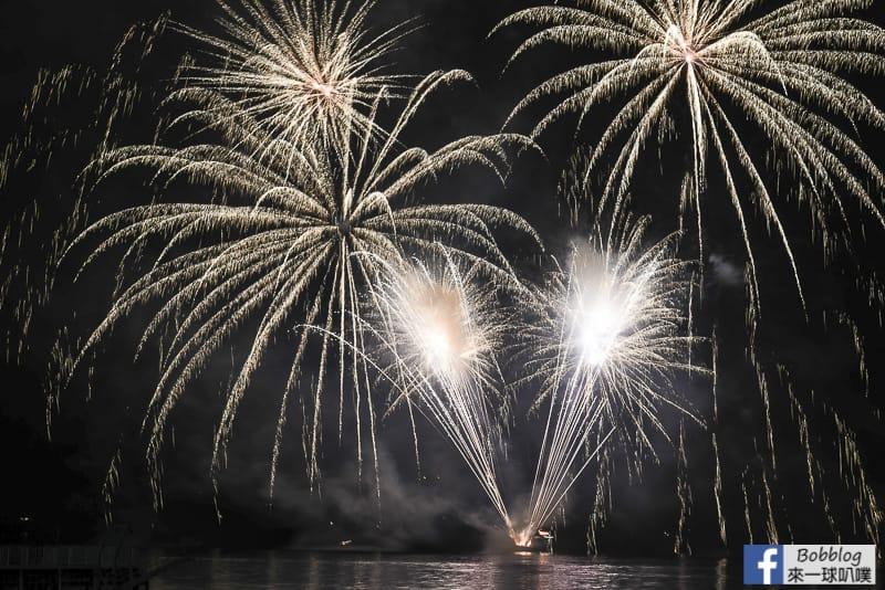 toya-lake-fireworks-7