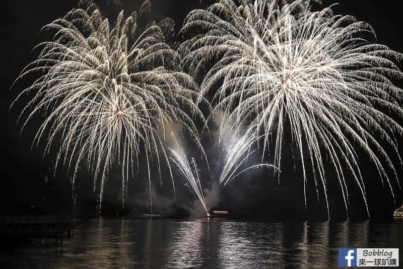 toya-lake-fireworks-8