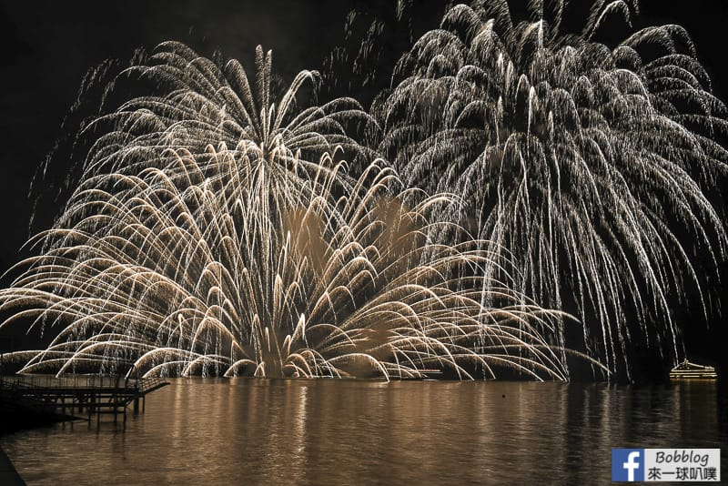 toya-lake-fireworks-9