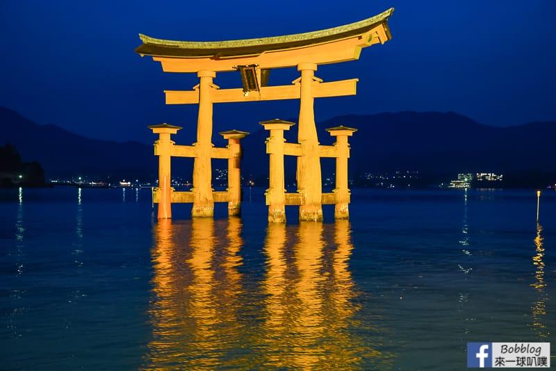 Miyajima-torii-40