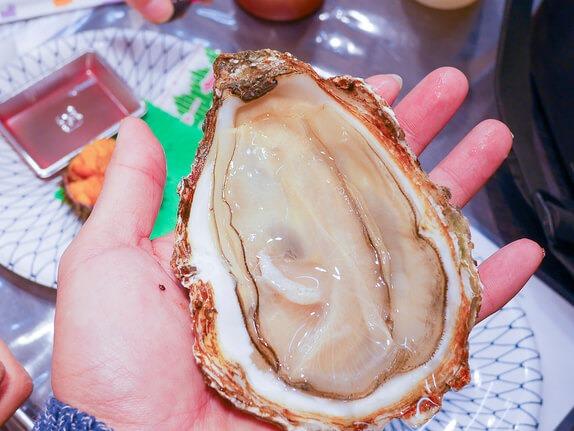 延伸閱讀:[大阪黑門市場美食]西川鮮魚(巨無霸牡蠣|超甜海膽)