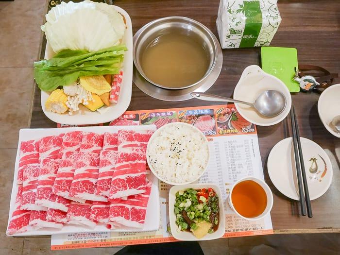 新竹光復路火鍋|錢都日式涮涮鍋(肉片多食材新鮮、飲料綠豆湯明治冰淇淋)