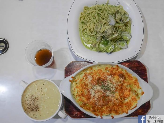 延伸閱讀:新竹平價義大利麵|卡莎米義大利麵(百元好吃義大利麵,餐包會爆漿喔!)