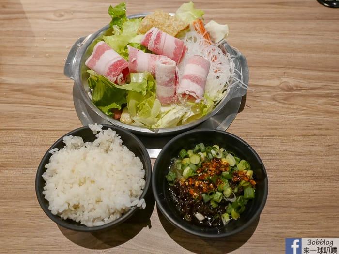 新竹平價小火鍋|熊本鍋物(配料多、飲料杜老爺冰淇淋冰沙王子麵吃到飽)