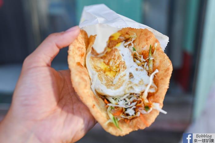 澎湖馬公市區美食|蔬脆蛋餅(好吃較厚蔥油餅,蔬菜解膩好對味)