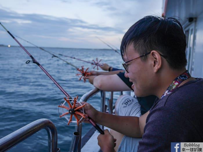 Fishing neritice squide 25