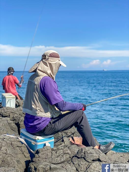 澎湖馬公南環景點|風櫃洞(風櫃聽濤,一望無際海景,壯觀玄武岩岩石)