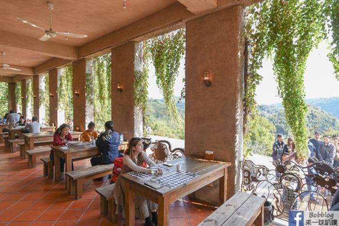 castle-restaurant-21