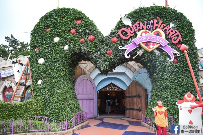 disneyland-Queen-of-Hearts-restaurant-4